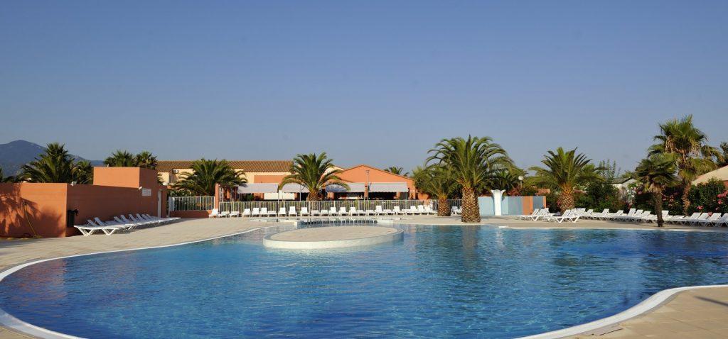 Piscine et espace aquatique argeles sur mer del mar village for Argeles gazost piscine